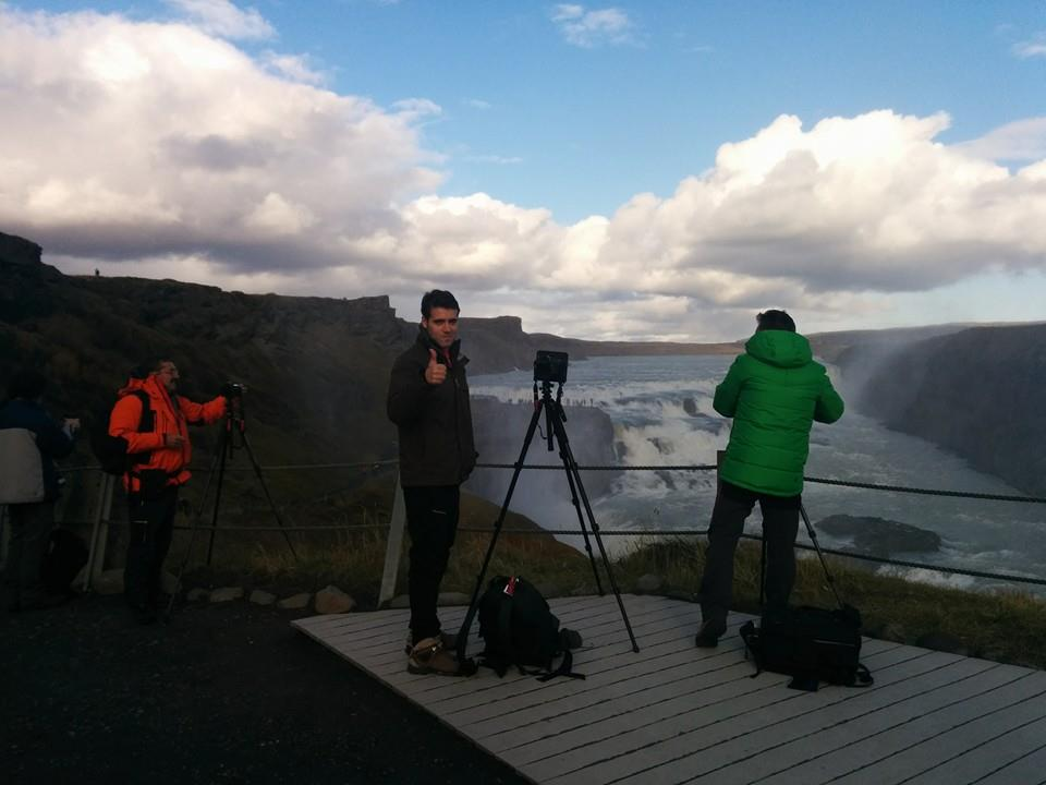 Fotografos en la cascada de Gulfoss